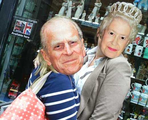 A couple posing as the Queen and Prince Philip.