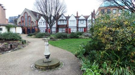 The Redcross garden which features on our walk around the London of Dickens and Shakespeare.