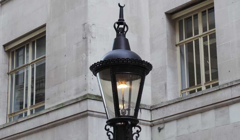 The Carting Lane Sewer Powered Gas Lamp, Gas Lamp Light